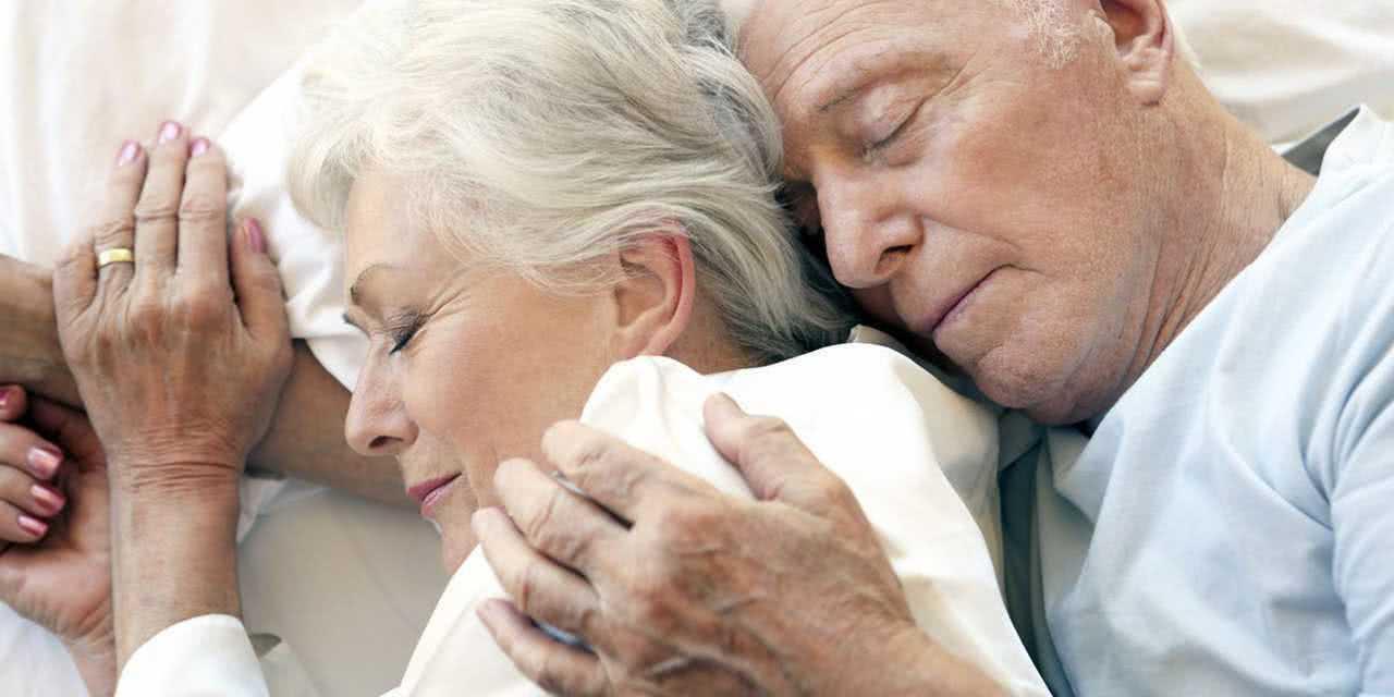 Подарок к Дню пожилого человека: хороший сон ночью
