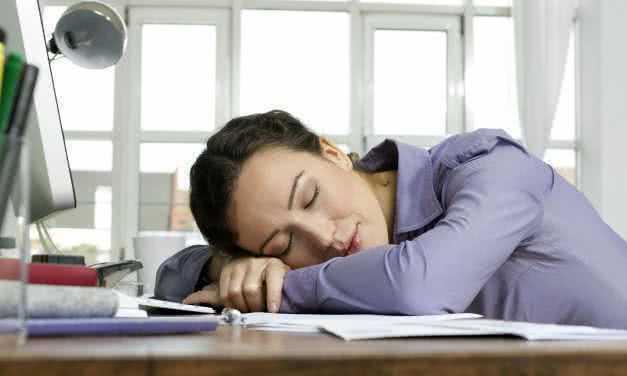 Сон на рабочем месте может повысить вашу работоспособность
