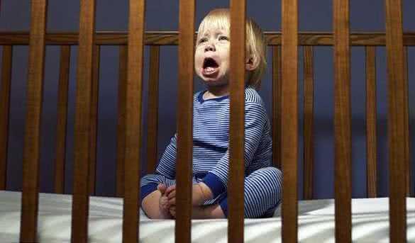 Родительские ссоры расстраивают детский сон
